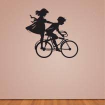 Stenska nalepka Deklica in fantek na kolesu C0020